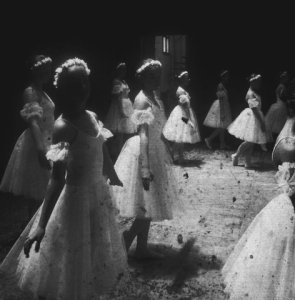 girls-in-dresses-ghostly